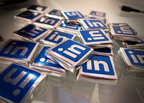 Should you Invest in LinkedIn and Forget Facebook