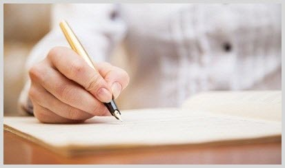 Hand writing high quality content for inbound marketing