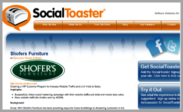 SocialToaster example of using customer reviews