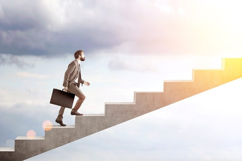 How Your 9-to-5 Job Can Prepare You For Entrepreneurship