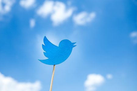 How to Buy Twitter Followers the Right Way: 5 Things to Know