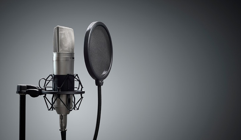 How to Start a Podcast: A 10-Step Guide